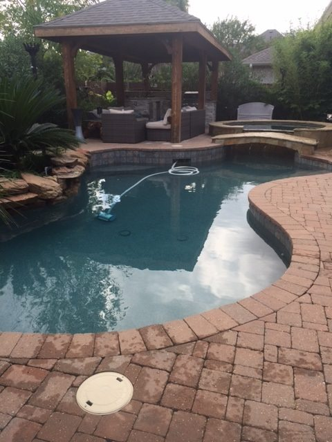 What a Monthly Pool Cleaning Service Can Do for You