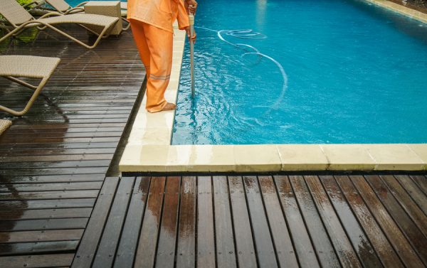 Do You Know How Clear Your Pool Should Be With A Pool Cleaning Service?